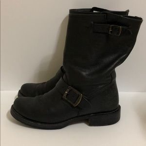 Frye black pull on motorcycle boots size 6B womens